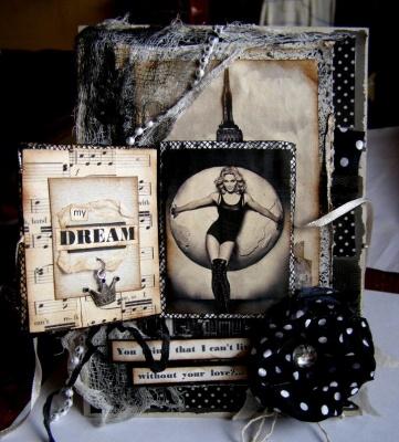 Открытка с Мадонной, разворот детали - мини открыточки....